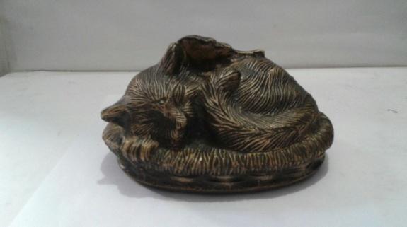 Cat sculpture pet URN